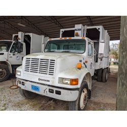 2000 INTERNATIONAL 4700 Garbage / Sanitation Truck