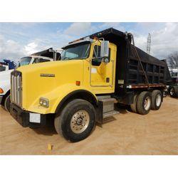 2002 KENWORTH T800 Dump Truck