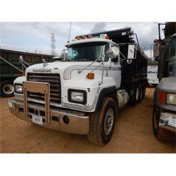 2000 MACK RD688S Dump Truck