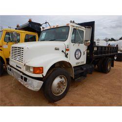 2001 INTERNATIONAL 4900 Flatbed Dump Truck