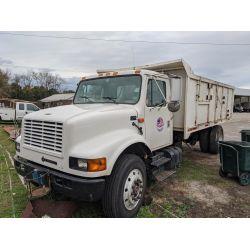 1999 INTERNATIONAL 4900 Dump Truck