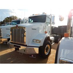 2019 KENWORTH T800 Cab and Chassis Truck