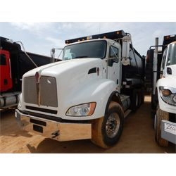 2013 KENWORTH T440 Dump Truck