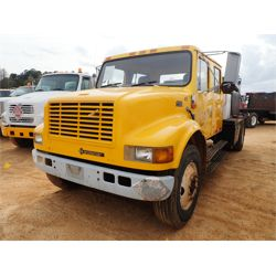 1999 INTERNATIONAL 4700 Fuel / Lube Truck