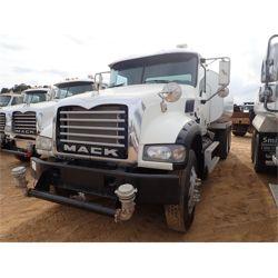 2011 MACK GU713 Water Truck