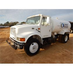 1999 INTERNATIONAL 4700 Water Truck