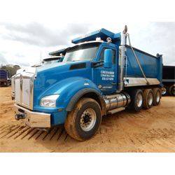 2017 KENWORTH T880 Dump Truck