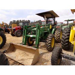JOHN DEERE 5520 Tractor
