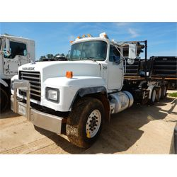 2002 MACK RD688S Roll Off Truck