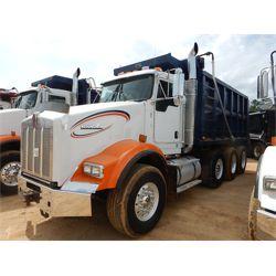 2008 KENWORTH T800 Dump Truck