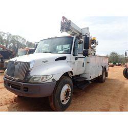 2007 INTERNATIONAL 4300 Boom / Bucket / Crane Truck