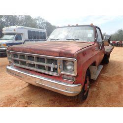GMC SIERRA Flatbed Truck