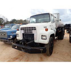 1993 FORD L8000 Asphalt / Hot Oil Truck