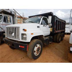2000 CHEVROLET C8500 Dump Truck