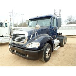 2006 FREIGHTLINER COLUMBIA CL120T Day Cab Truck