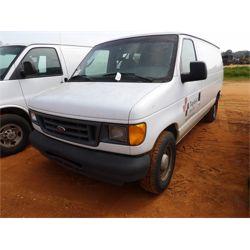 2005 FORD E15 Box Truck / Cargo Van
