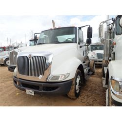 2012 INTERNATIONAL 8600 Day Cab Truck