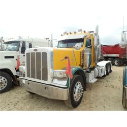 2013 PETERBILT 389 Day Cab Truck