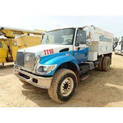 2002 INTERNATIONAL 7300 Dump Truck