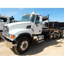 2003 MACK CV713 Roll Off Truck