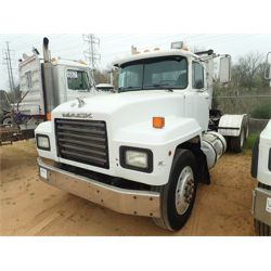 1996 MACK RD690S Day Cab Truck