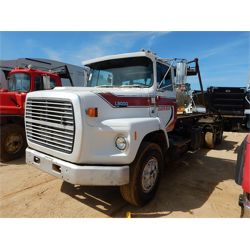 1990 FORD L8000 SERIES Roll Off Truck