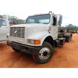 1995 INTERNATIONAL 4900 Roll Off Truck