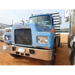 1985 MACK R688ST Day Cab Truck
