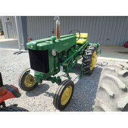 JOHN DEERE 40S Tractor