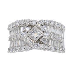 18KT White Gold 1.75ctw Diamond Ring