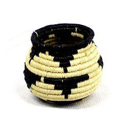 Wounaan Choco' Basket by Maria Ortiz
