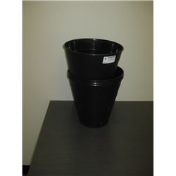 BLACK PLASTIC WASTE BIN