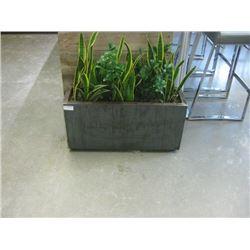 METAL BOX FLOOR PLANTER