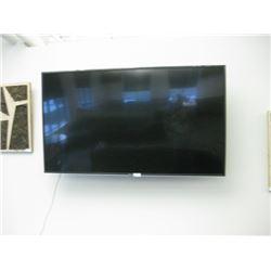 VIZIO E75-F2 TV WITH WALL MOUNT