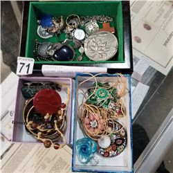 WOODEN JEWELLERY BOX AND 2 TRAYS OF VARIOUS JEWELLERY