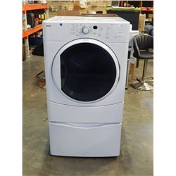WHITE KENMORE HE2 SUPER CAPACITY FRON LOAD FRIER W/ PEDESTAL BASE - TESTED AND WORKING
