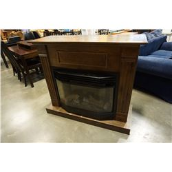 FIREPLACE MANTLE W/ ELECTRIC FIREPLACE
