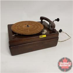 RCA Victor Phonograph (Crank)