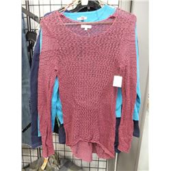 NEW MUDD MEDIUM WOMENS SWEATER