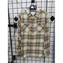 NEW DAKOTA GRIZZLY FLANNEL SHIRT SZ MEDIUM MEN'S