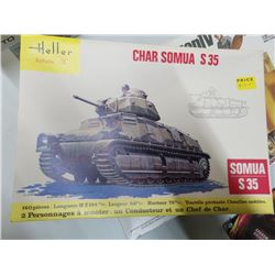 NEW VINTAGE STOCK ARMY TANK MODEL
