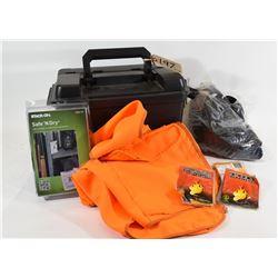 Small Plano Box and Accessories