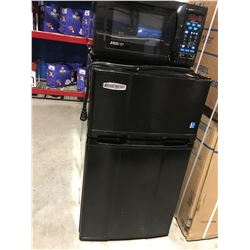 MICRO FRIDGE BAR/COMPACT FRIDGE & FREEZE COMBO WITH ATTACHED MICROWAVE