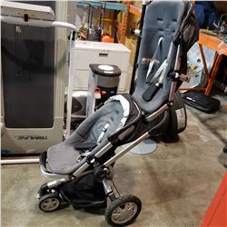QUINNY STROLLER W/ EXTRA RUMBLE SEAT