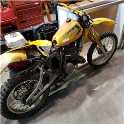 YAMAHA DIRT BIKE - NEEDS WORK, 45 INCHES TALL