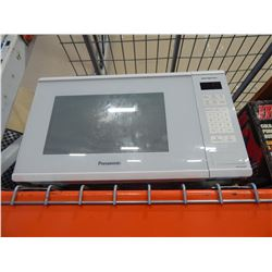 WHITE PANASONIC 1100 WATT MICROWAVE
