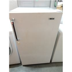 GENERAL UPRIGHT FREEZER