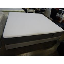 KINGSIZE CASPER MATTRESS