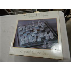 FIFTH AVENUE CRYSTAL CHESS SET IN BOX
