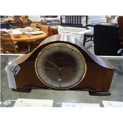 WOODEN TELEP MANTLE CLOCK WITH KEY AND ACCESSORIES